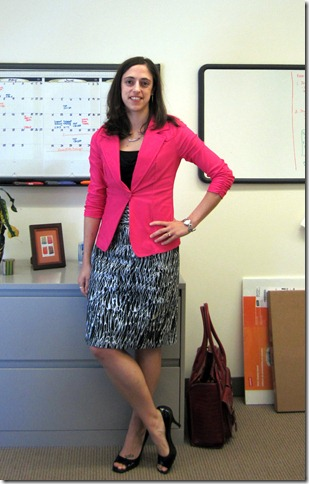 pink_blazer_patterned_skirt 001