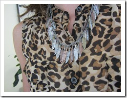 leopard_blouse_white_skirt 010