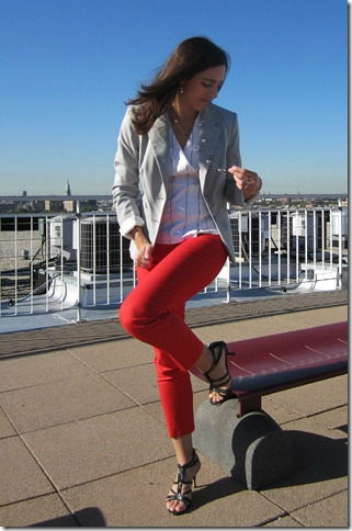 red_pants_gray_blazer 019
