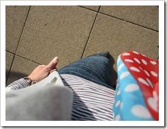 gray_blazer_jeans_polka_dots 010