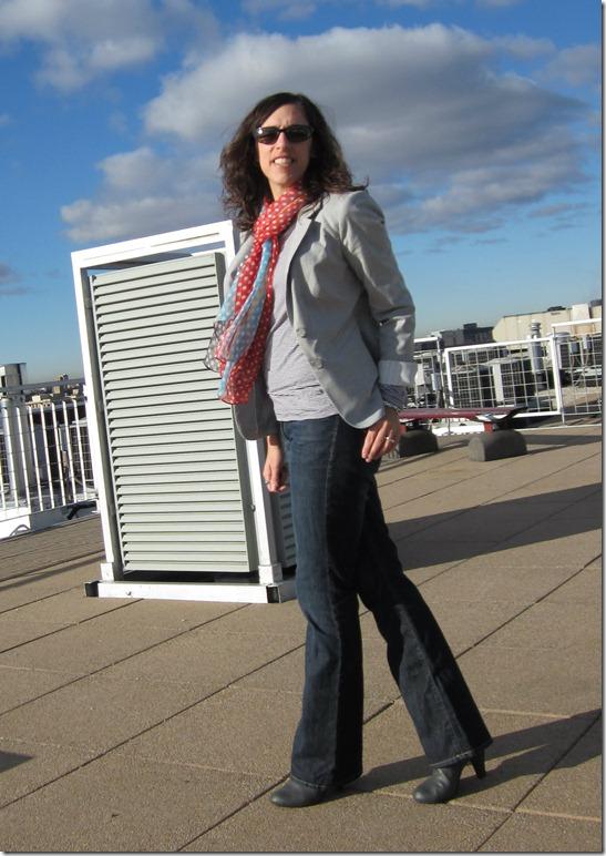 gray_blazer_jeans_polka_dots 012